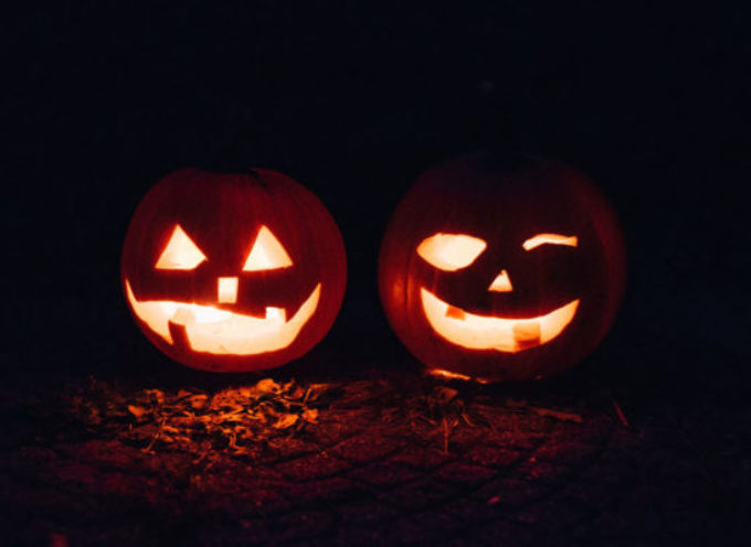 Halloween in biblioteca: storie di streghe e fantasmi con i lettori Volontari della Versilia