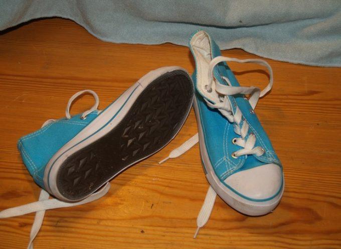 """AUCHAN inciampa su """"Possibile difetto di fabbricazione"""" e ritira scarpe NTO colori e taglie varie"""