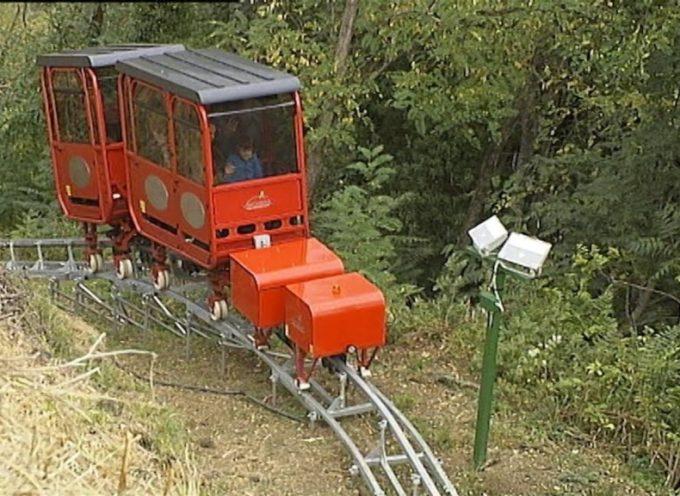 Parte il trenino per salire alle Verrucole[video]