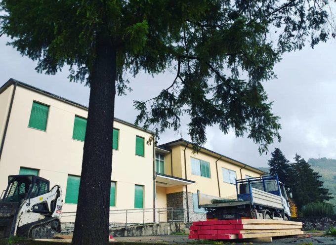 iniziata ufficialmente la predisposizione del cantiere per i lavori alla scuola elementare di Borgo.
