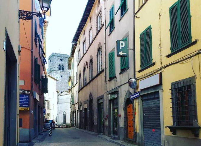 Nel centro storico di Borgo ha da tempo chiuso un bar, sarebbe bello poterlo vedere riaperto,