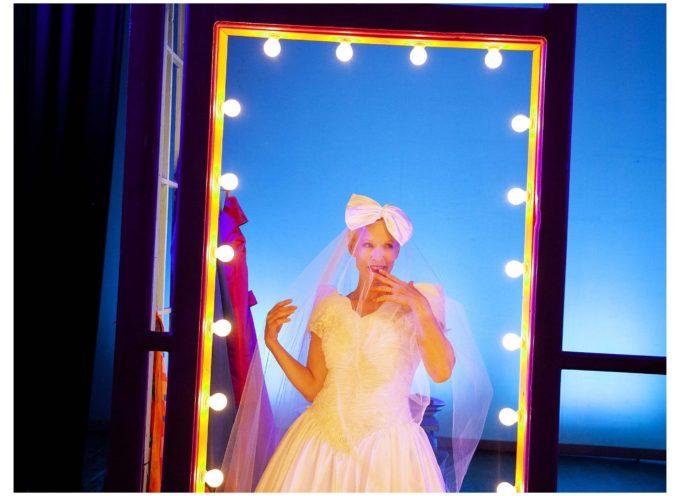 """La sposa dell'anno"""" al Teatro Accademico di Bagni di Lucca."""