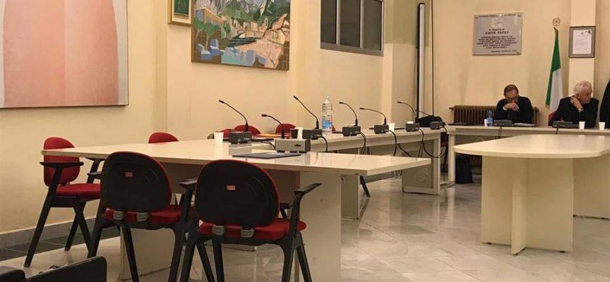 BANCHI DELL´OPPOSIZIONE VUOTI PER PROTESTA AL CONSIGLIO COMUNALE – I CONSIGLIERI DI MINORANZA PARTECIPANO IN QUALITÀ DI SPETTATORI