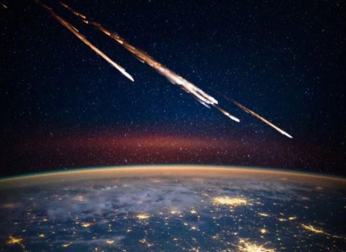 asteroidi ENORMI sfioreranno pericolosamente la Terra, avverte la NASA