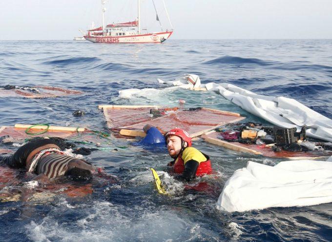 Migranti, naufragio al largo delle coste della Sardegna.