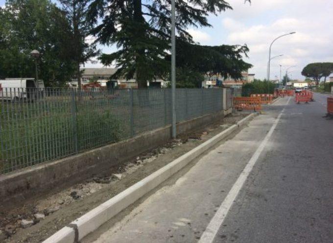 PORCARI – Si allarga la rete dei marciapiedi, a gennaio partono i lavori nel tratto tra la chiesa di Rughi e l'ex ristorante Corallo