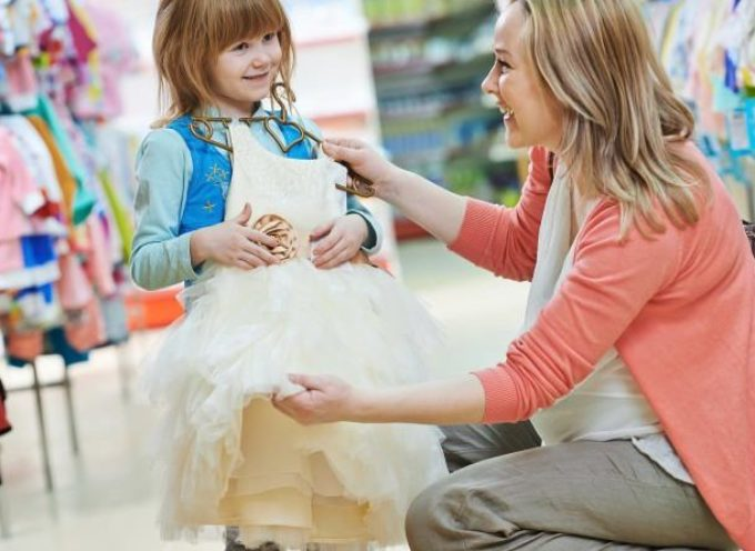 Questa domenica il 1° mercatino delle mamme lucchesi, con le principesse Anna ed Elsa ad intrattenere i bimbi