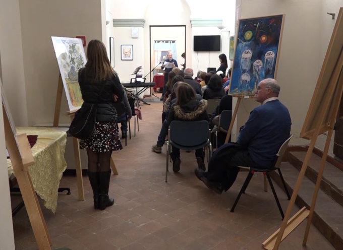Opere di 12 artisti lucchesi in mostra fino a fine mese alla biblioteca comunale di Borgo a Mozzano