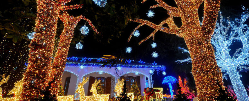 """""""Illumina il Natale"""": ultimissimi giorni per partecipare al contest fotografico dedicato agli addobbi natalizi. Ecco cosa si vince"""