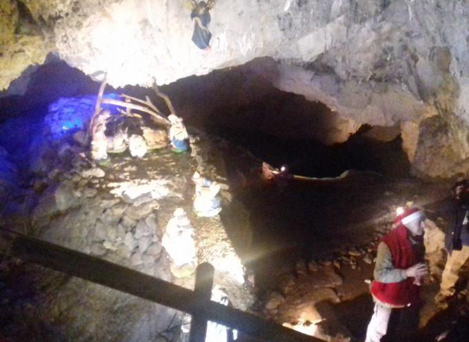 la magia del presepe in grotta a Convalle di Pescaglia.