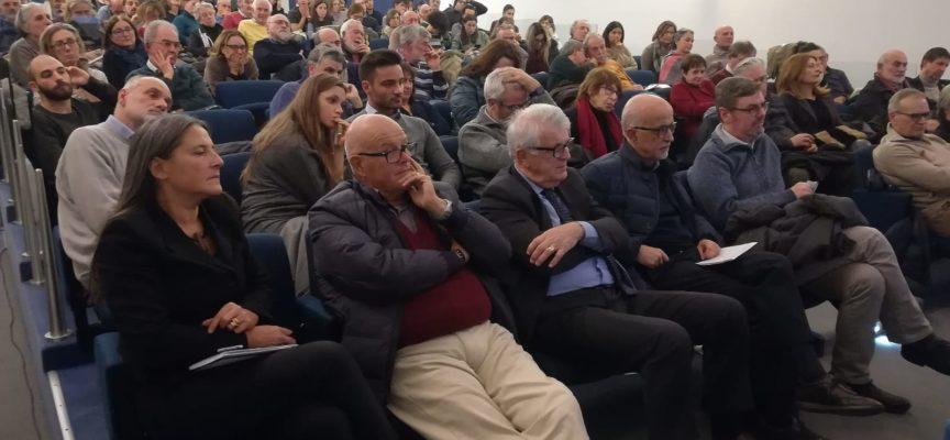 Grande partecipazione all'incontro sull'Europa con Andrea Pertici