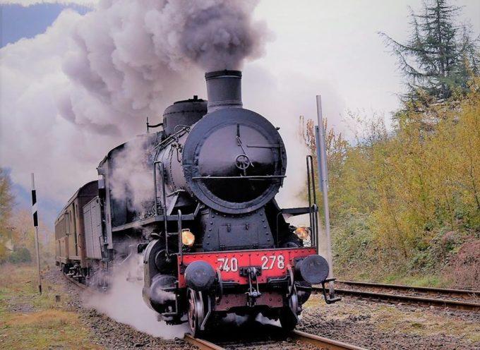 il treno a vapore nella valle del serchio
