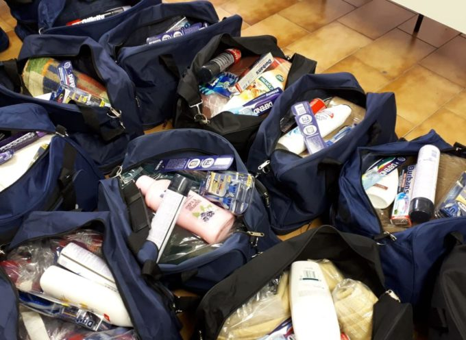 lucca – Piano Freddo. I primi 20 kit pronti per essere distribuiti alle persone bisognose che vivono in strada.