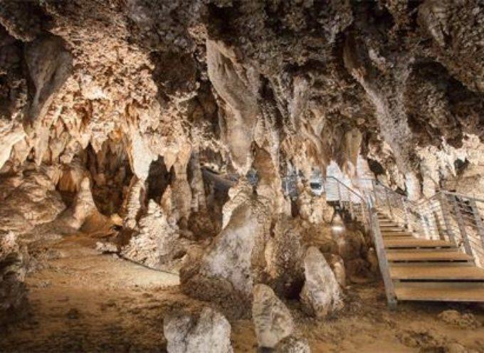 la grotta turistica del corchia a stazzema