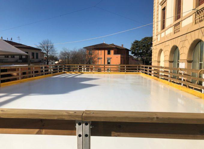 ALTOPASCIO – La pista di ghiaccio finalmente  è pronta