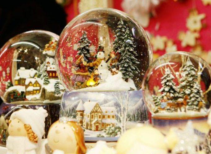 Le sfere di vetro,  con la neve dentro.