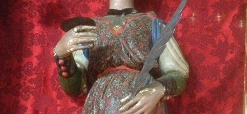 Oggi è la festa di S. Lucia, di cui a Oneta c'è una antica e venerata statua in legno