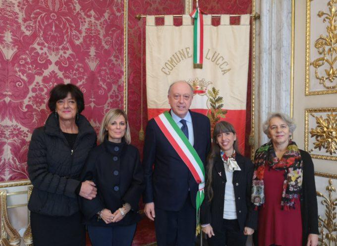 Il sindaco di lucca ha ricevuto Lucia Tanganelli e Simona Cristallini