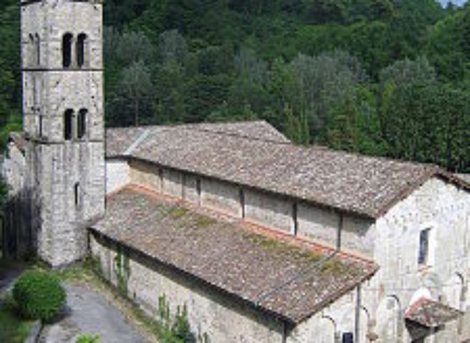 Le Chiese, le Pievi e i luoghi di culto sulle rive del Serchio