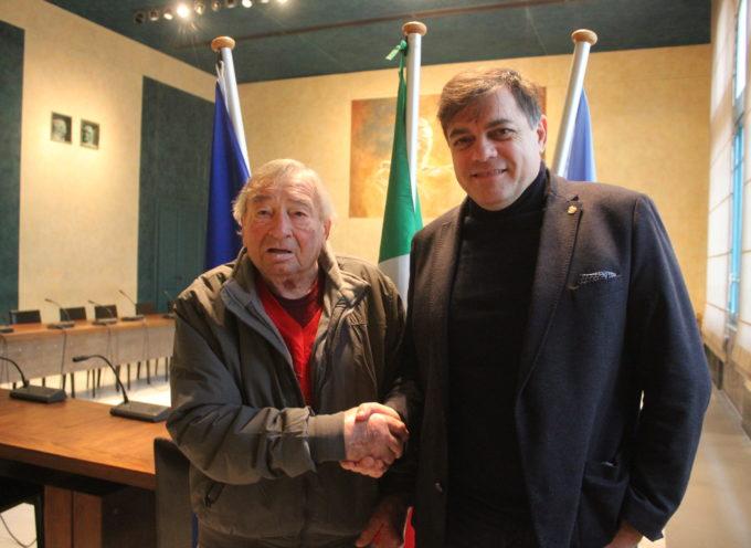 Alpini: Barsaglini insignito grado sottoufficiale, il veterano ricevuto dal Sindaco Giovannetti