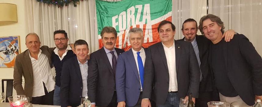 Versilia: in 150 per la cena di chiusura tesseramenti Forza Italia, è unico movimento radicato su territorio