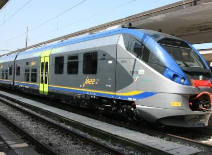 Lucca- Viareggio, stop ai treni: pronti 4 bus sostitutivi