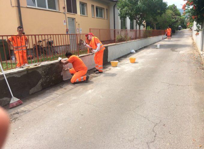LUCCA – Oltre 50 interventi di manutenzione dei beni comuni effettuati da 13 persone disoccupate:
