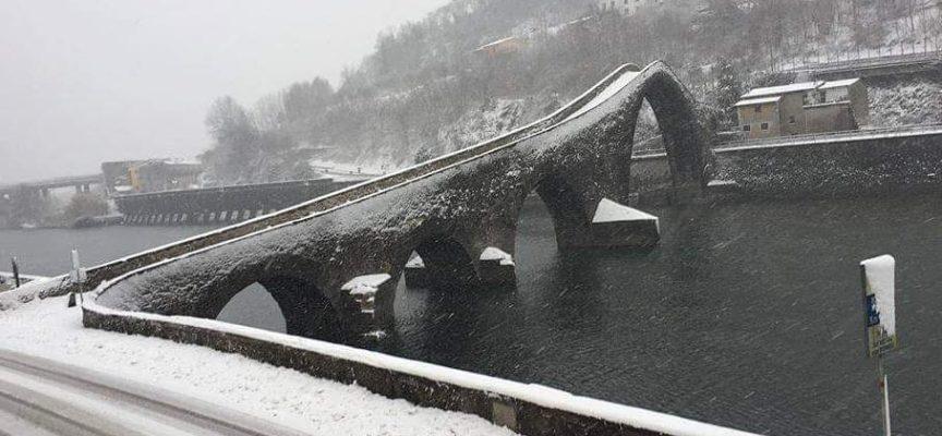 Il Ponte del Diavolo con la neve,