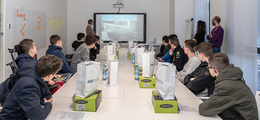 BARGA – Una classe dell'Istituto tecnico tecnologico di Castelnuovo di Garfagnana in visita alla PCMC Italia