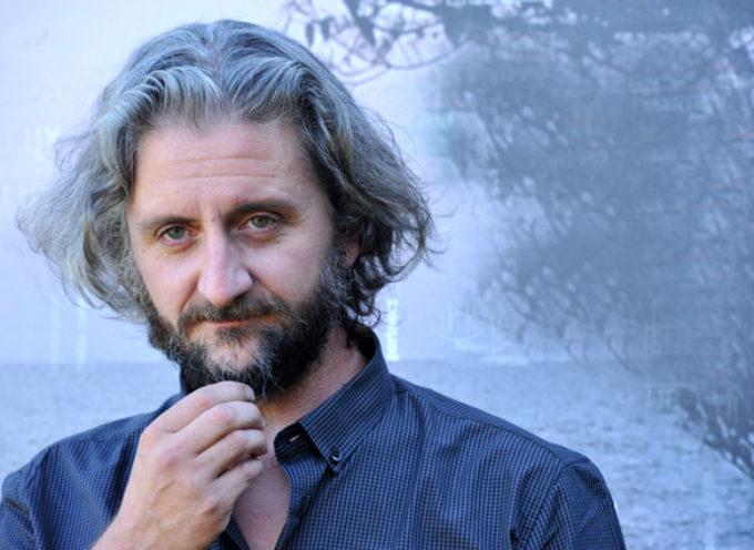 """Ascanio Celestini al Rassicurati di Montecarlo con la """"Ballata dei senza tetto"""" apre la stagione di prosa 2019"""