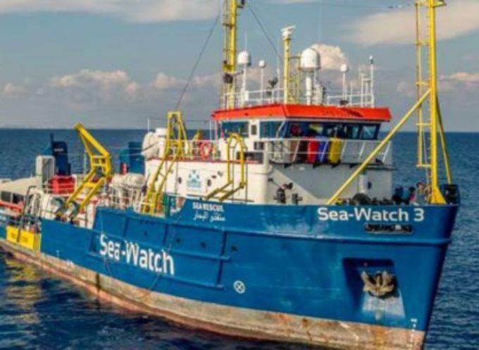 Sea Watch isolata: la Capitaneria vieta di avvicinarsi