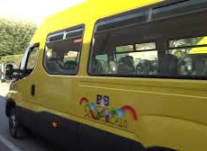 SERAVEZZA – A scuola in sicurezza: nuovi pulmini con cinture e accompagnatori
