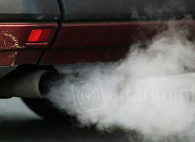 LUCCA  E PIANA- Rinnovato lo stop alla circolazione di veicoli inquinanti e all'accensione dei caminetti da domani martedì 8 gennaio a domenica 13
