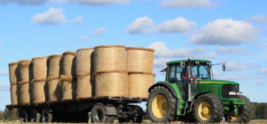 I trattori non fanno festa. Domenica e festivi, da quest'anno nessun divieto per i mezzi agricoli su strade statali