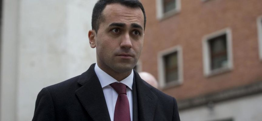 Scoppia CASO RIMBORSI M5S: eccedenze versate all'Associazione ROUSSEAU
