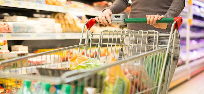 Non dobbiamo mai comprare questi 10 cibi al supermercato!