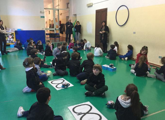 SERAVEZZA – Pubblica istruzione: lezione introduttiva stamani per il corso di robotica nelle scuole primarie