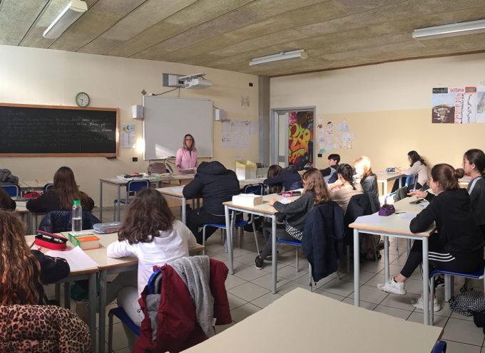 """SERAVEZZA – Cultura: oltre duecento studenti impegnati  nella prova scritta del diciottesimo Premio """"Sirio Giannini"""""""