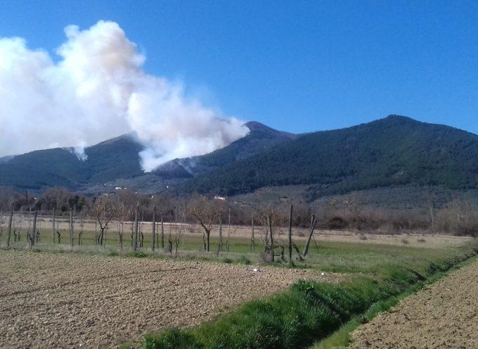 DIRETTA – Incendi in Garfagnana e sui Monti Pisani