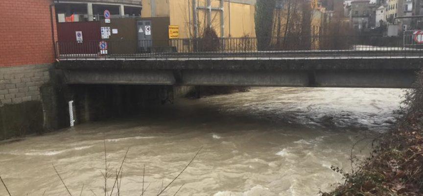 La situazione del livello del fiume Serchio e del Torrente Turrite a Castelnuovo di Garfagnana alle ore 8,30 di Sabato 2 Febbraio.
