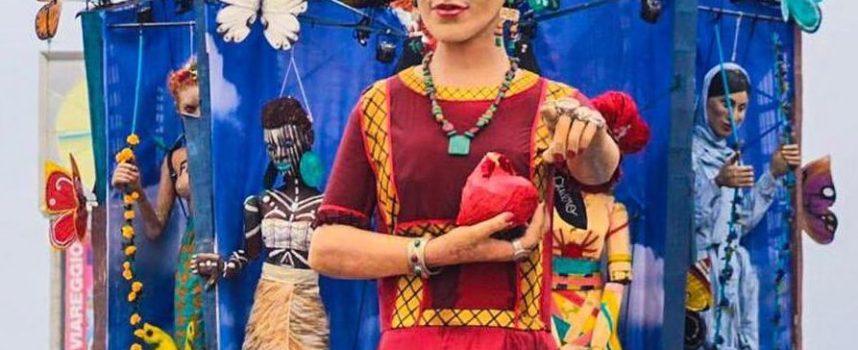"""""""Adelante!"""" al Carnevale Pietrasantino,mascherata Lebigre-Roger omaggio Frida Khalo star dell'ultimo corso"""