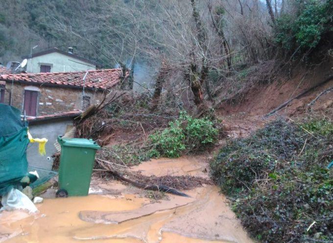 Foto della frana di Riomagno di Seravezza