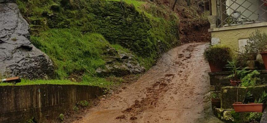 SERAVEZZA – Frana a Riomagno di Seravezza; evacuate quattro famiglie