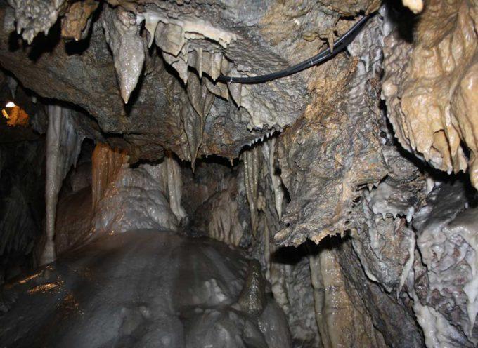 Visita speleologica alla grotta del Monticello