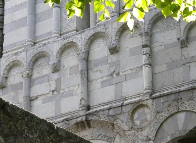 Le Chiese, le Pievi e i luoghi di culto sulle rive del Serchio  Terza Puntata – La Pieve di S. Cassiano di Controne    5° Parte – Ancora sull'interno