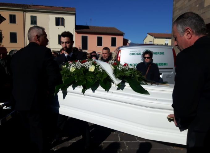 CAPANNORI – Chiesa gremita per salutare Matteo