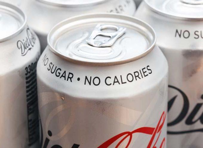 Bevande a zero calorie: ne bastano due al giorno per aumentare il rischio di ictus. Il nuovo studio