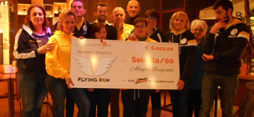 SPORT SOLIDALE all'Allegra Brigata un assegno da 6mila euro dal gruppo Seventies Running Team Lucca