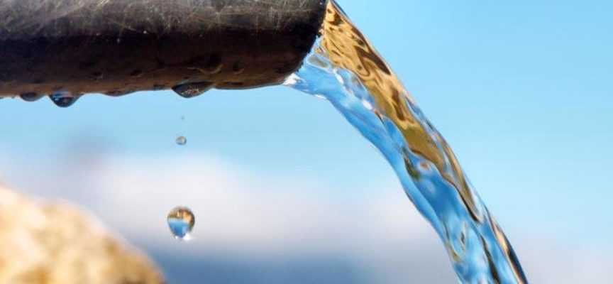 Disinfettanti addio! Ecco il materiale che rimuove i batteri dall'acqua in 30 minuti al sole