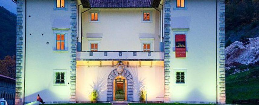 """con l'installazione site specific """"Mr. Arbitrium"""" di Emanuele Giannelli si apre la stagione a Palazzo Mediceo di Seravezza"""